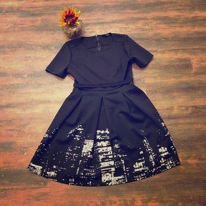 Super cute dress with skyline print